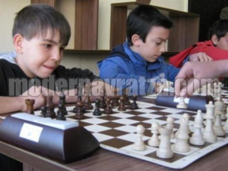 С шахмат приключи Областната ученическа спартакиада