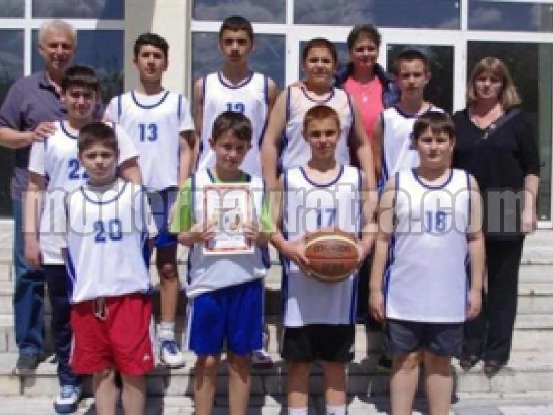 """Баскетболният тим на видинското ОУ """"Иван Вазов"""" се класира за финалите на ученическите игри при момчетата 5-7 клас"""