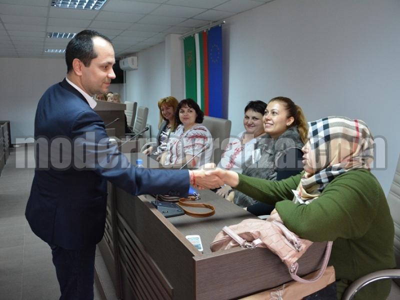 КАЛИН КАМЕНОВ ПРИЕ ГОСТИ ОТ 5 ДЪРЖАВИ